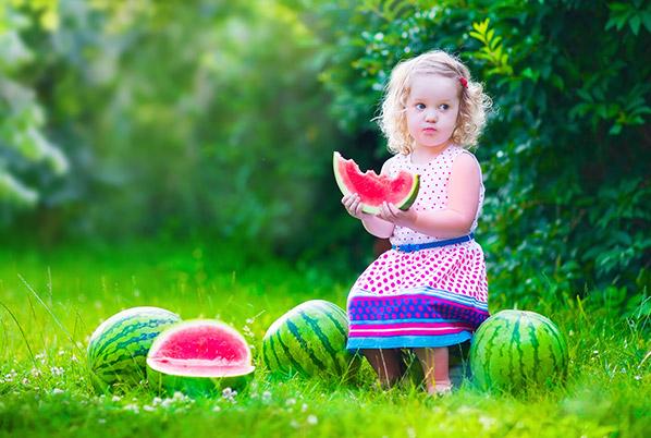 ۶ دلیل شگفت انگیز برای هندوانه خوردن